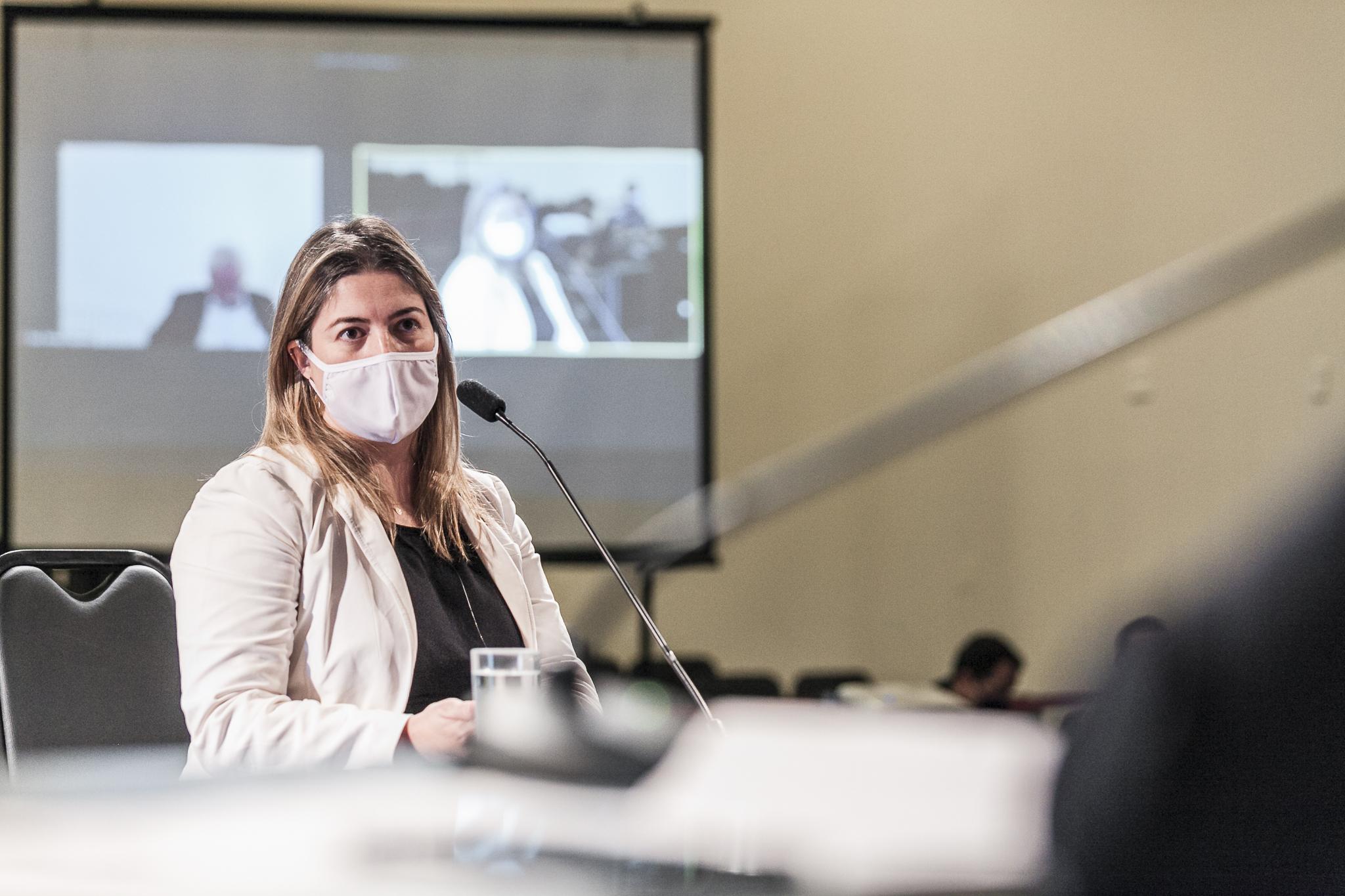 Karen Sabrina Bayestorff Duarte, da Secretaria da Administração
