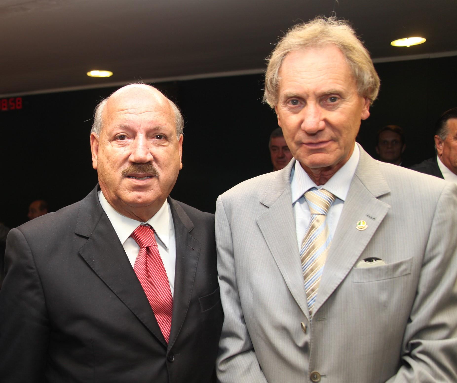 Luiz Henrique da Silveira e Casildo Maldaner, então senadores, em 2013